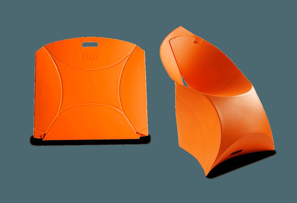 flux chair ist ein faltbarer Designer Stuhl der überall eine gute Figur macht. Ob Gastronomie oder Event.