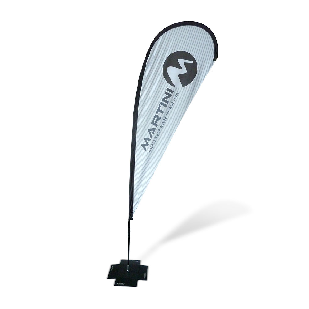 Beachflag Flagge bedruckt und personalisiert. Für Aufmerksamkeit auf Messen, am POS oder bei Promotion.